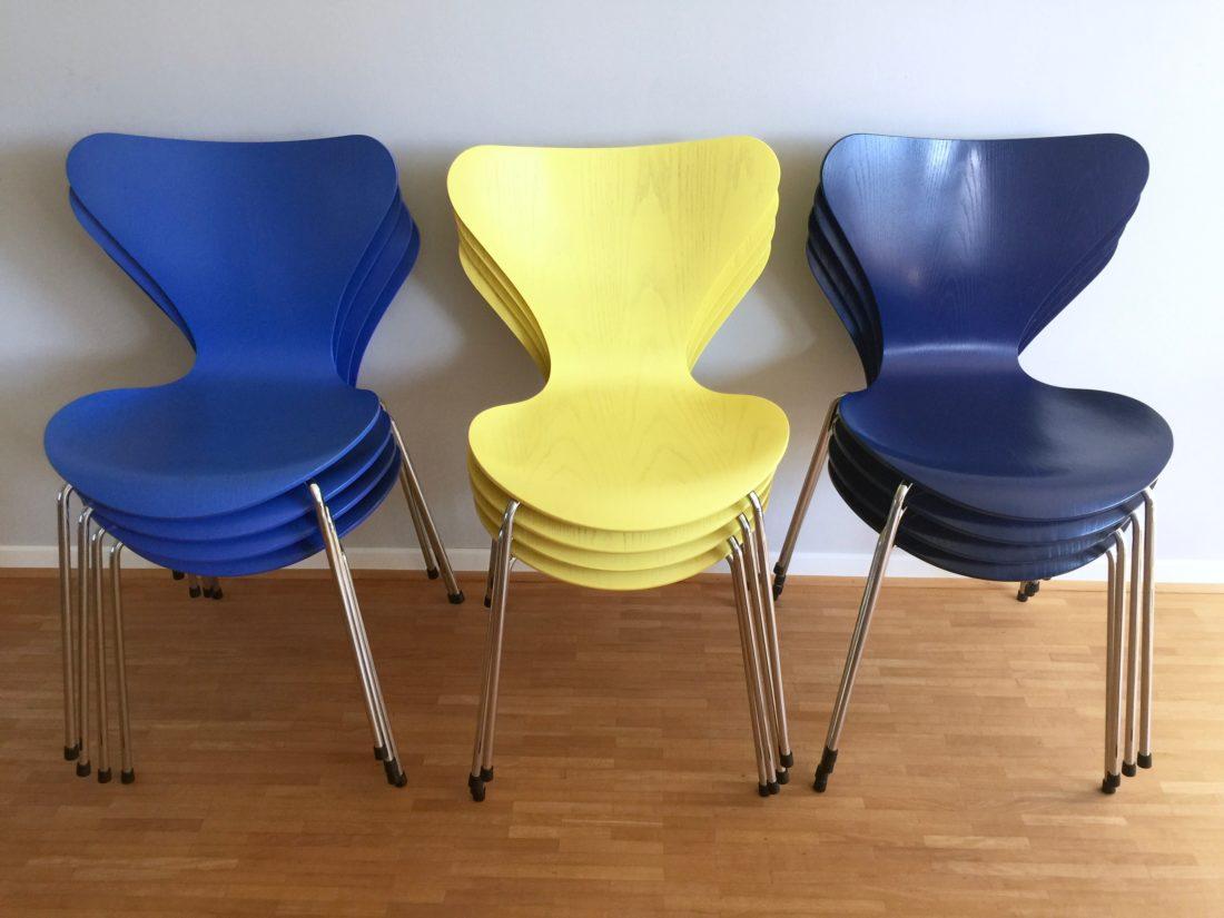 3107 in mittelblau von fritz hansen achtgrad. Black Bedroom Furniture Sets. Home Design Ideas